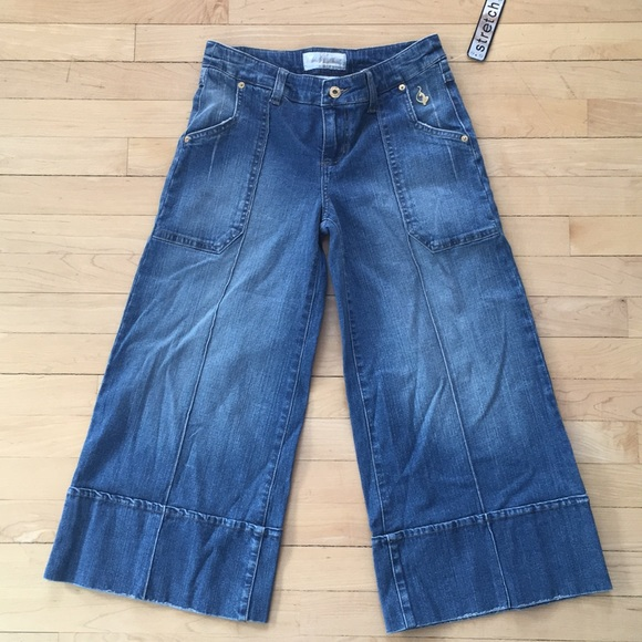 8a1a88ff26 Baby Phat Wide Leg Cropped Jeans!